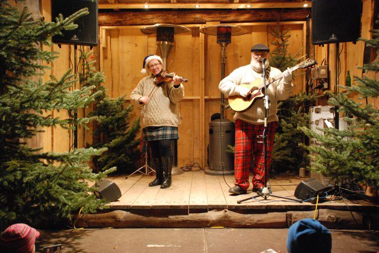 Weihnachtsmarkt Rinteln, 11.12. 2011  (Foto: Ulrich Beckendorf, Minden)